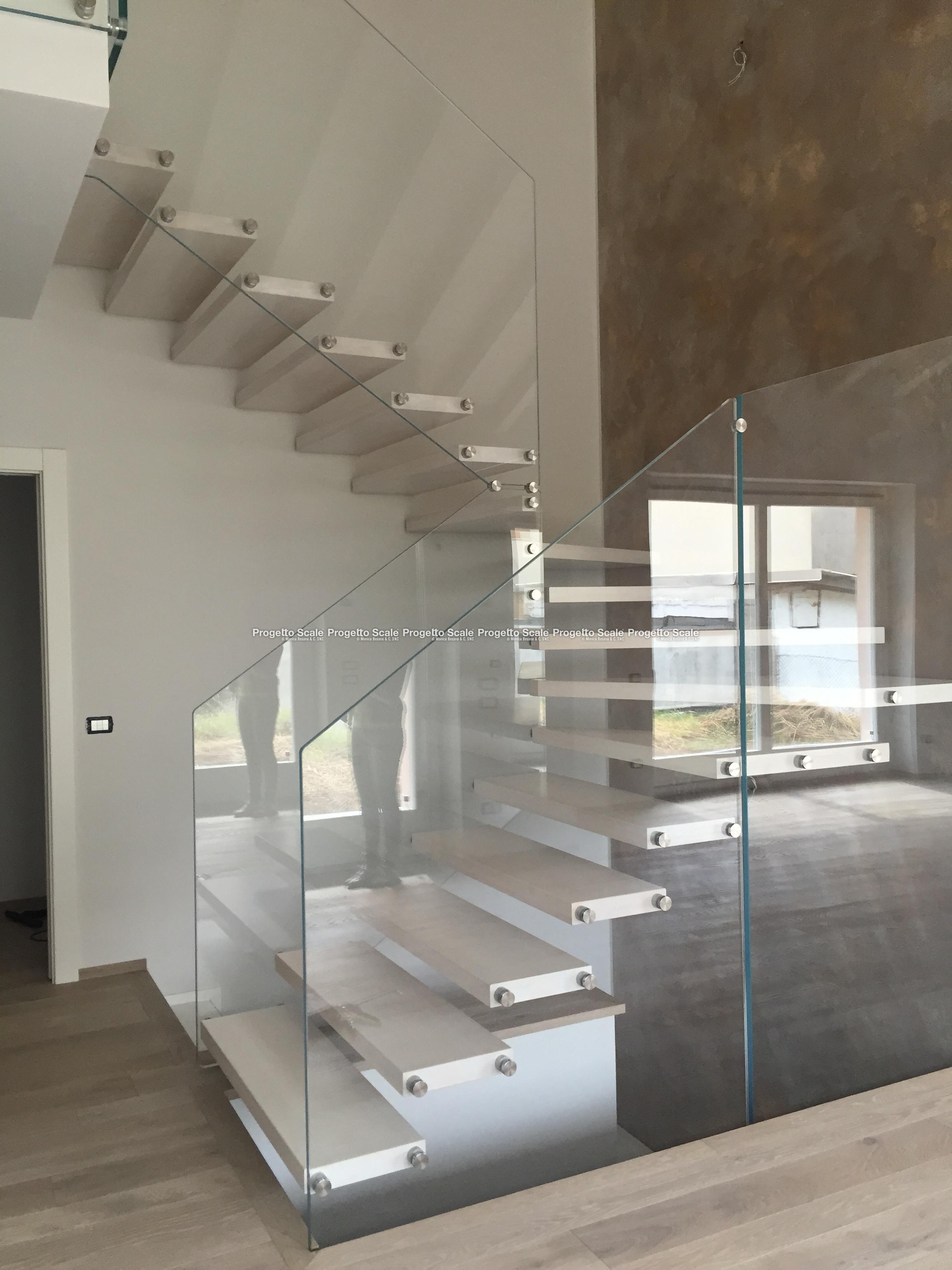 Scale a sbalzo gradini legno ringhiera cristallo scala a sbalzo gradini legno ringhiera - Normativa scale interne ...