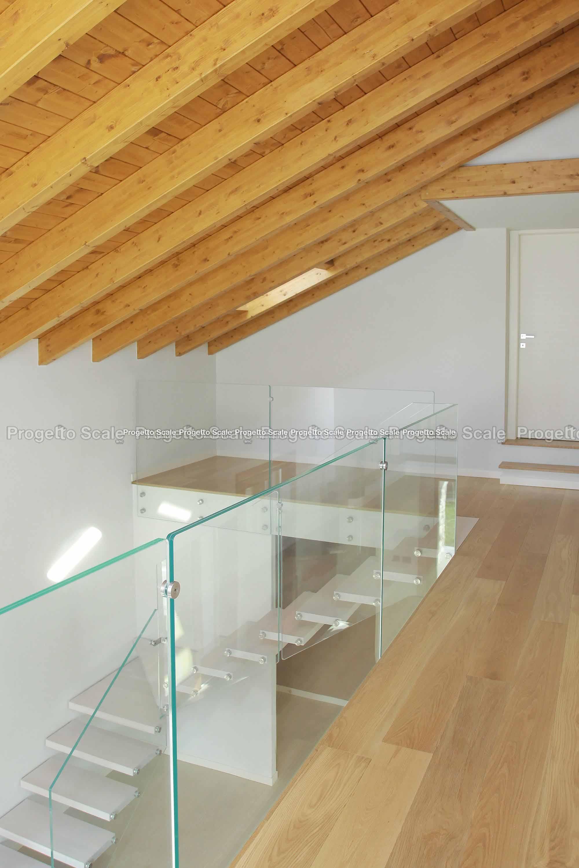 Gradini scale interne prezzi trendy marmo per scale for Gradini in legno prezzi